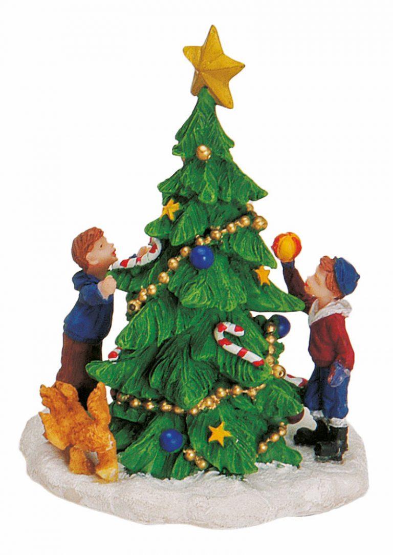 Kinder-schmücken-Weihnachtsbaum